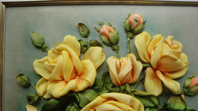 Вышивка лентами картины розы с листочками 76